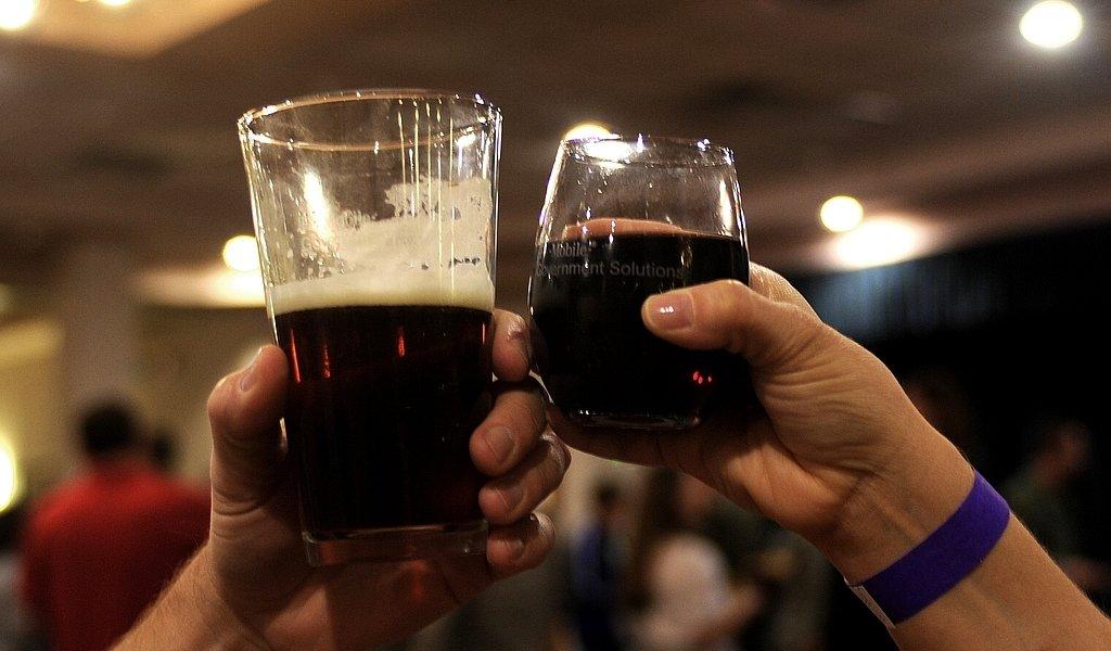 Benefits of Beer Vs. Wine
